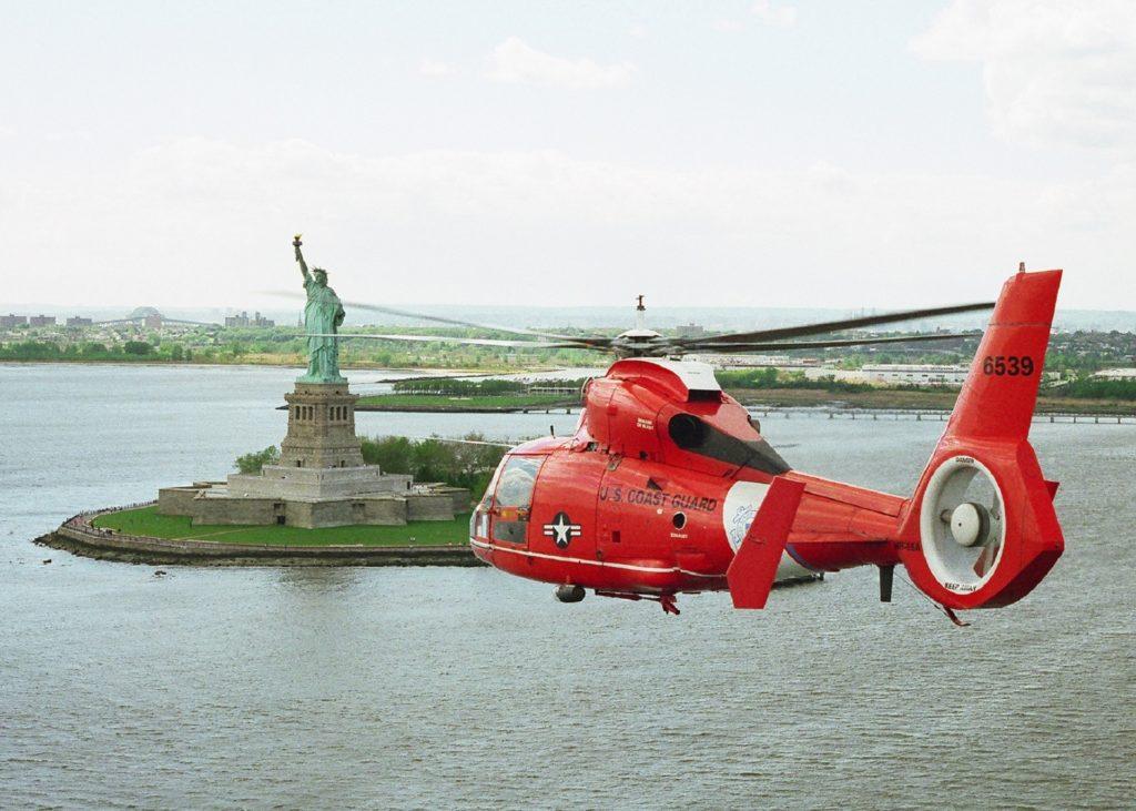 フェネストロンを備えたヘリコプター